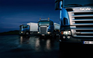 http://cargo.bold-themes.com/transport-company/wp-content/uploads/sites/2/2015/09/Three-trucks-on-blue-background-320x200.jpg